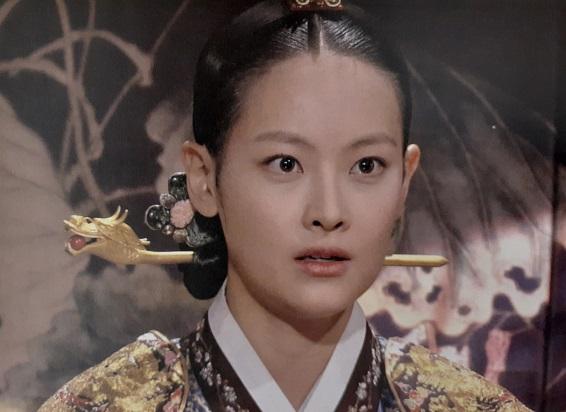 イヌォン王妃役オ・ヨンソ