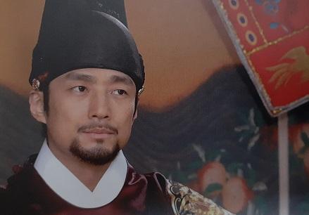 スクチョン役チ・ジニ